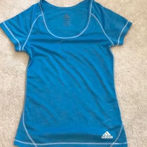 Adidas t-shirt Small